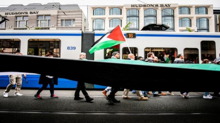 صحيفة ألخمين داخبلاد الهولندية: أكثر من 600 شخص أكد حضوره في المظاهرة المؤيدة لفلسطين في أمستردام يوم الأحد القادم