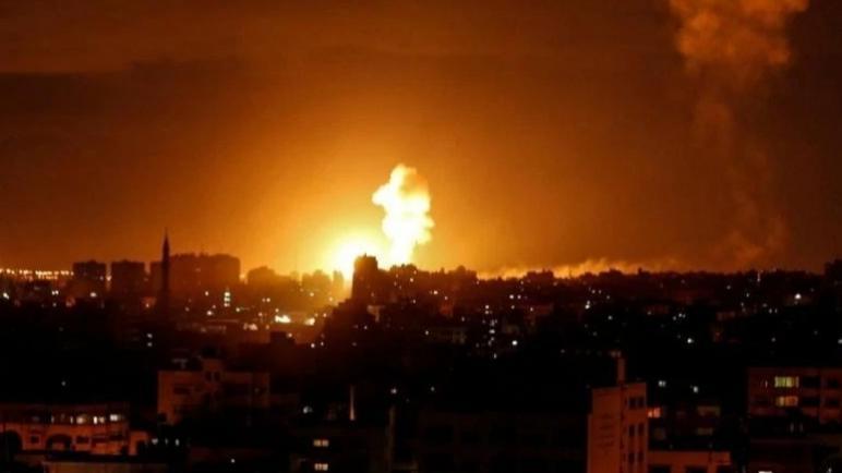 الكيان الإسرائيلي يقصف أهدافاً في وسط وشمال قطاع غزة