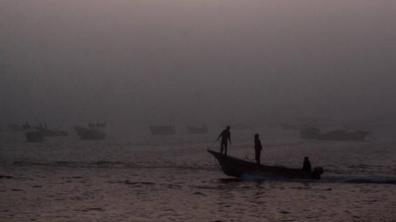 إستشهاد ثلاثة صيادين فلسطينيين إثر تفجير قاربهم قبالة سواحل غزة