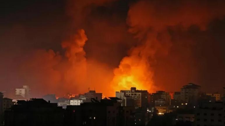 الكيان الإسرائيلي يقصف منزل زعيم حماس يحيى السنوار والصواريخ تنطلق من جديد على تل أبيب