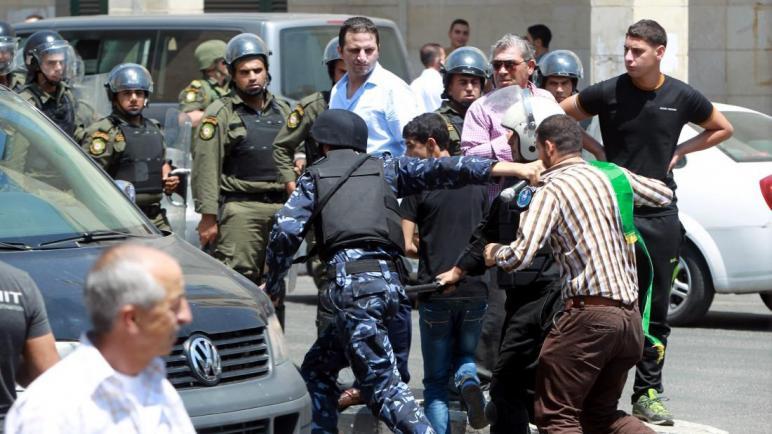 الاتحاد الأوروبي يصدر بياناً يدين اعتقال السلطة الفلسطينية للنشطاء ويدعوها للإلتزام باتفاقيات حقوق الإنسان