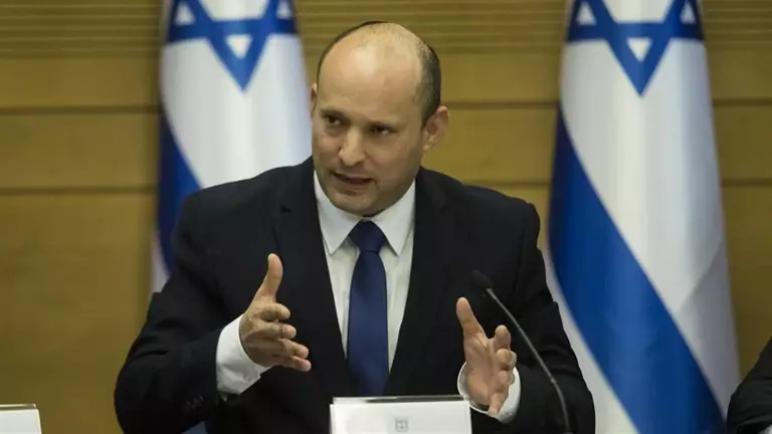 رئيس وزراء الكيان الإسرائيلي بينت يستبعد لقاء رئيس السلطة الفلسطينية عباس ويؤكد رفضه حل الدولتين