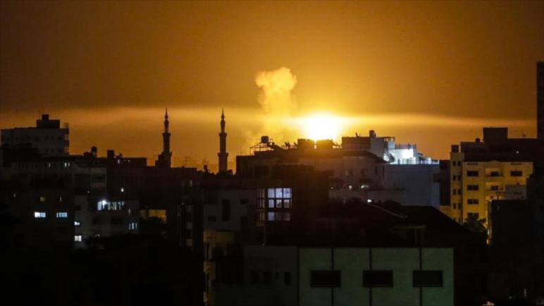 طائرات الكيان الإسرائيلي تقصف عدة أماكن في قطاع غزة المحاصر