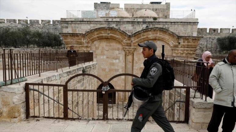 حماس: تدنيس الأقصى سيشعل شرارة الإنتفاضة الجديدة