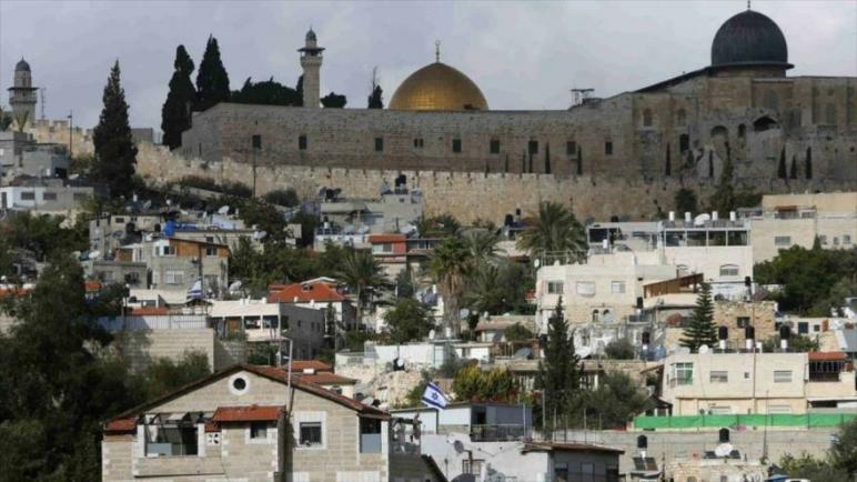 رجال أعمال من الإمارات يدعمون تهويد القدس من خلال خداع الفلسطينيين وشراء منازلهم