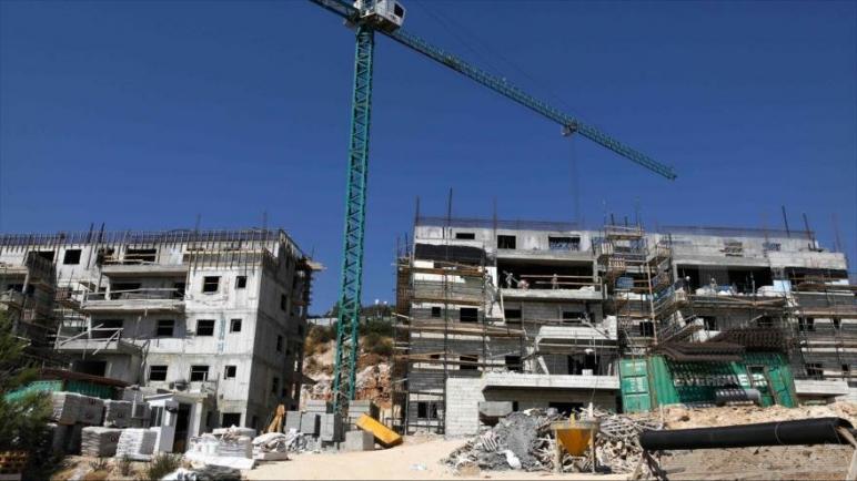 يخطط الكيان الإسرائيلي لبناء أكثر من 2400 منزل في الضفة الغربية المحتلة