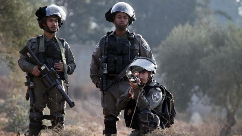 القوات الإسرائيلية تقتل شاب فلسطيني باطلاق الرصاص عليه في الضفة الغربية