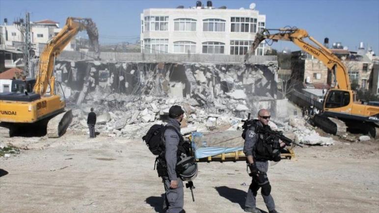 اسرائيل تهدم العشرات من المتاجر الفلسطينية في القدس