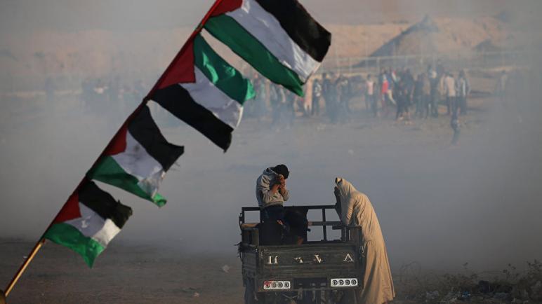 اصابة 28 فلسطيني بجروح بنيران الجيش الإسرائيلي في احتجاجات مسيرة العودة الكبرى في قطاع غزة