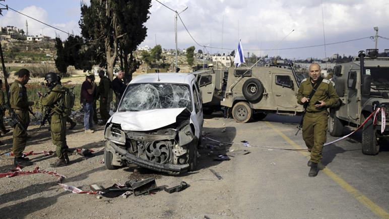 اصابة ثلاث جنود اسرائيليين بجروح بهجوم دهس من سائق فلسطيني جنوبي القدس ومقتل منفذ الهجوم
