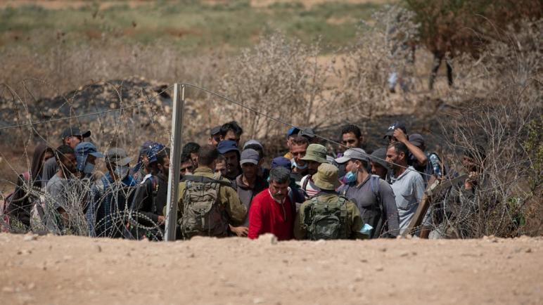 الكيان الإسرائيلي ينقل 400 أسير خشية محاولات أخرى للهروب ويطلق حملة تفتيش واسعة عن الأسرى الستة الهاربين من سجن جلبوع