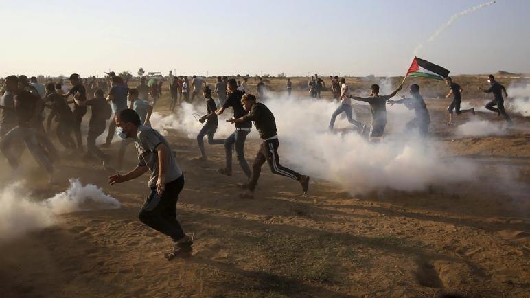 إصابة 20 متظاهراً فلسطينياً بجروح بنيران جيش الكيان الإسرائيلي خلال مواجهات في قطاع غزة