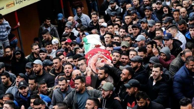 استشهاد شاب فلسطيني متأثرا بجراحه التي أصيب بها أثناء مسيرات العودة الكبرى في قطاع غزة