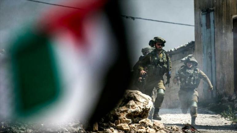 الكيان الإسرائيلي يفرض حصاراً تاماً على الضفة الغربية المحتلة لحماية قيام المستوطنين بشعائرهم