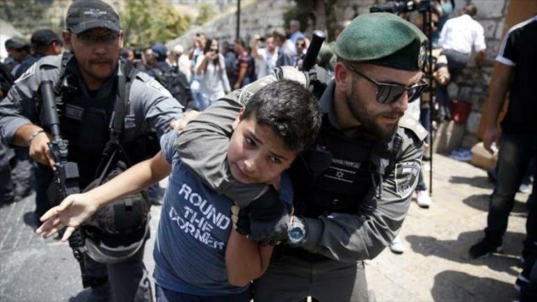 تقرير: الأطفال الفلسطينيون يتعرضون للإيذاء البدني واللفظي في السجونالإسرائيلية
