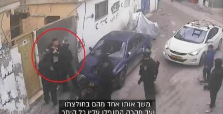 شرطة الكيان الإسرائيلي تعتدي بوحشية على شاب فلسطيني في القدس