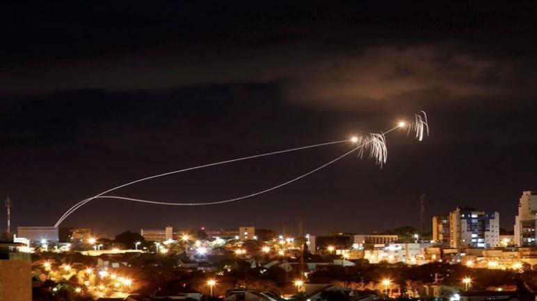 إسرائيلتقصف 80 هدف في غزة بعد إطلاق عشرات الصواريخ