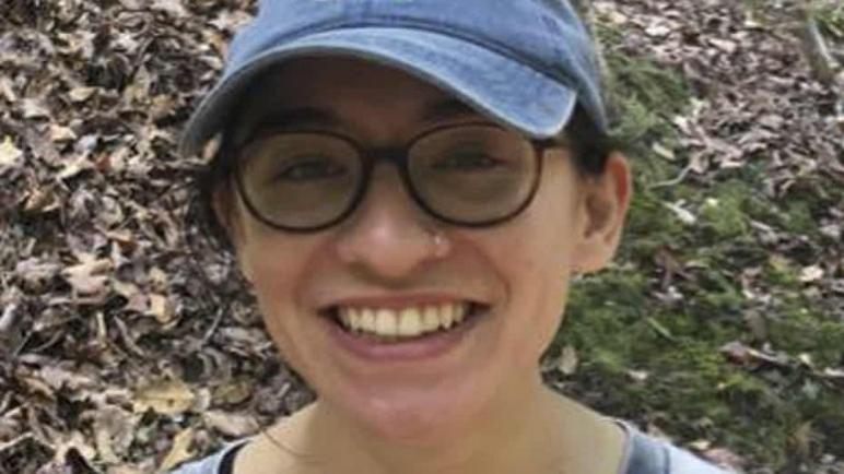 احتجاز طالبة أمريكية ومنعها من الدراسة في الجامعة العبرية في القدس لأنها مؤيدة لحركة المقاطعة BDS