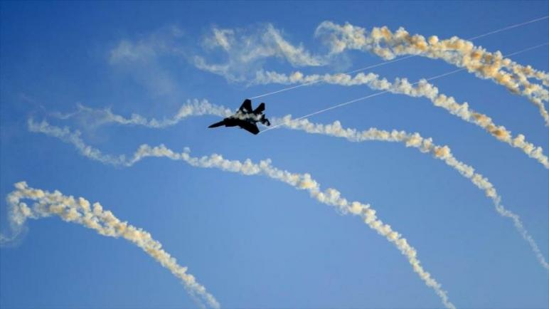 طائرات الكيان الإسرائيلي تقصف عدة مناطق في قطاع غزة