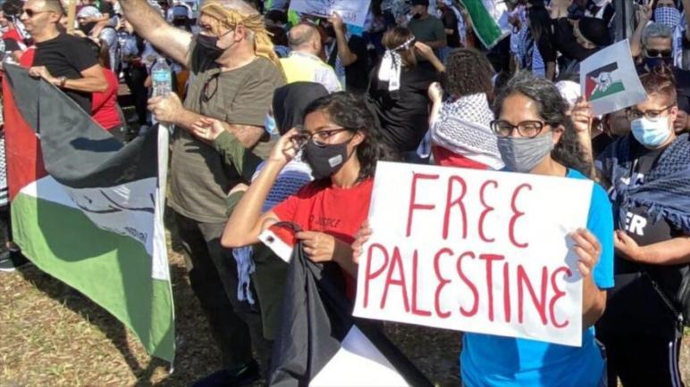 خروج مظاهرة في فلوريدا للمطالبة بوقف الدعم الأمريكي للكيان الإسرائيلي