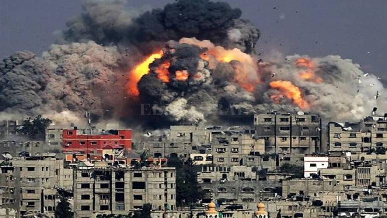 """وزير الدفاع الإسرائيلي حول غزة : """"لا يوجد خيار آخر سوى الحرب"""""""