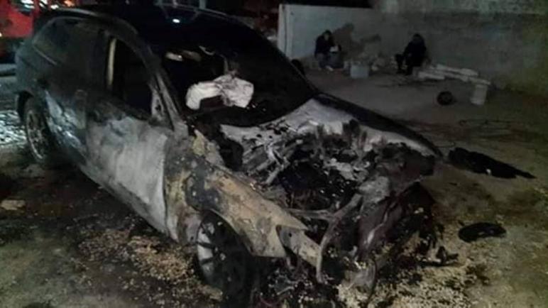 المستوطنون الإسرائيليون يهاجمون قرى فلسطينية ويحرقون السيارات وأشجار الزيتون