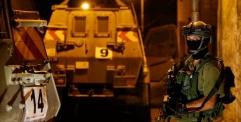 الاحتلال يعتقل 15 مواطنًا من الضفة الغربية بينهم صحفي