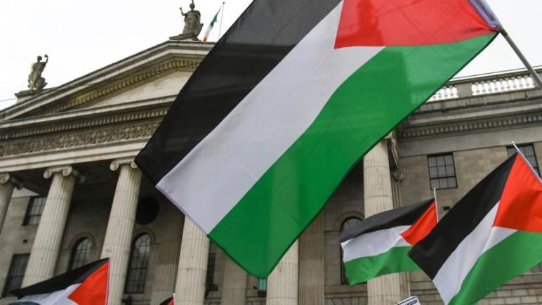 إيرلندا توافق على مشروع قانون تاريخي يجرم التعامل التجاري مع المستوطنات الإسرائيلية
