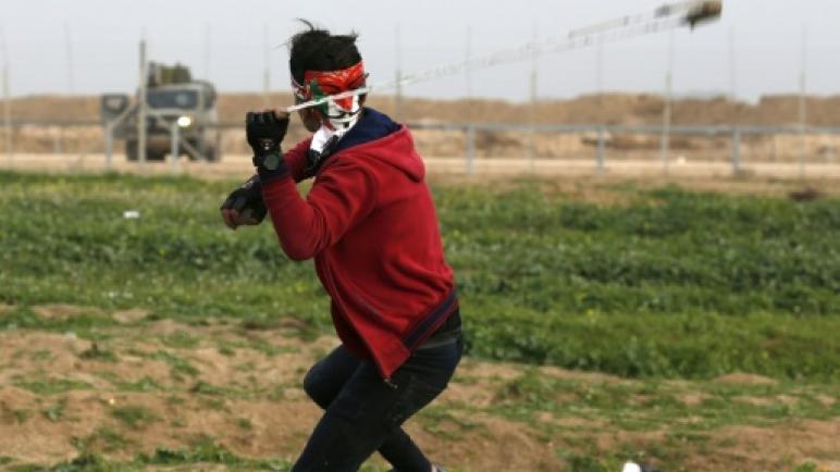 اصابة 20 فلسطيني بجروح بنيران الكيان الإسرائيلي في احتجاجات مسيرة العودة الكبرى في قطاع غزة
