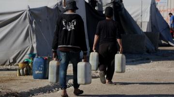 حملة الوفاء الأوروبية تقدم مساعدات غذائية ومواد تدفئة لـ 2200 عائلة فلسطينية وسورية في الشمال السوري