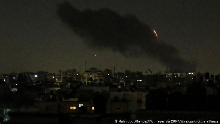 اطلاق صواريخ من قطاع غزة على جنوب عسقلان و الكيان الإسرائيلي يرد بقصف مواقع لحركة حماس