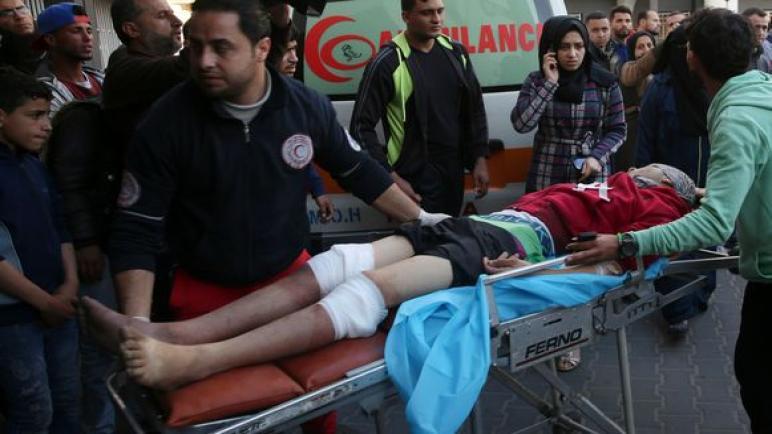 وزارة الصحة الفلسطينية: شهيدين و 55 جريح في مسيرات العودة اليوم في قطاع غزة