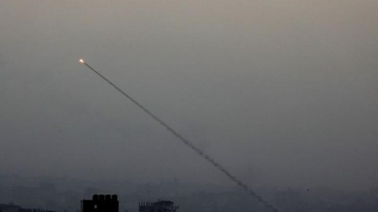 الكيان الإسرائيلي يقصف أهدافاً في غزة بعد هجوم صاروخي من القطاع