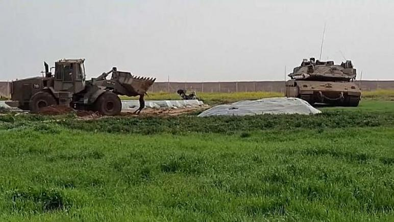 تنديد واسع بعد بث فيديو لجرافة جيش الكيان الإسرائيلي ترفع جسد شهيد فلسطيني في قطاع غزة