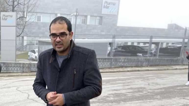 صحفي لاجئ فلسطيني في إسبانيا يندد باستجواب غير قانوني من قبل الحرس المدني الإسباني والموساد الإسرائيلي في مدريد