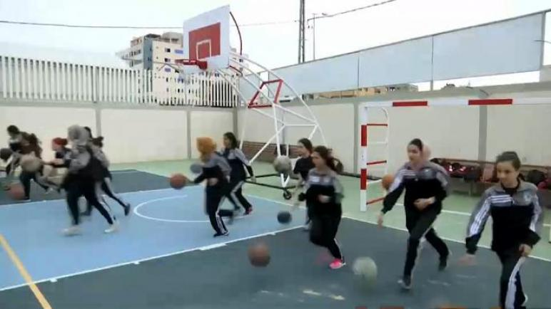 إقبال من الفتيات الفلسطينيات على لعب كرة السلة في قطاع غزة المحاصر