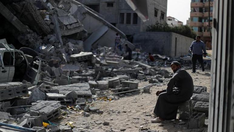 بالفيديو: غزة تستقبل أول أيام رمضان بالدمار