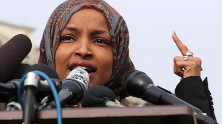 ترامب: ليس لمعاداة السامية مكانا في الكونغرس الأمريكي وعلى إلهان عمر تقديم استقالتها