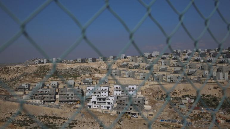 الشين بيت يلقي القبض على خمسة شبان إسرائيليين بما يتعلق باستشهاد امرأة فلسطينية
