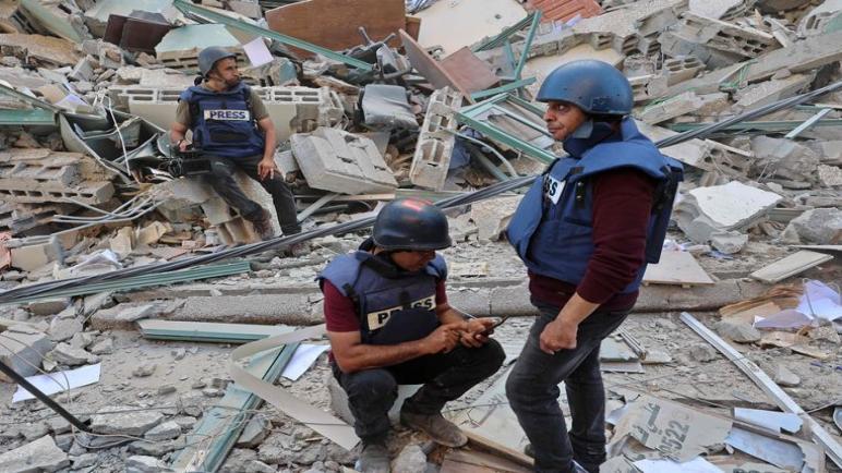 واتسآب يحجب حسابات صحفيين فلسطينيين بارزين في قطاع غزة