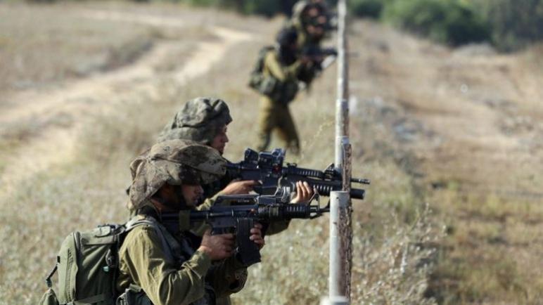 وفاة شاب فلسطيني متأثرا بجروحه بعد اطلاق النار عليه لعبوره السياج الحددي بين غزة وإسرائيل