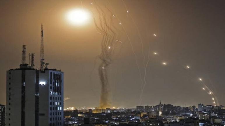 صواريخ القسام بمواجهة صواريخ القبة الحديدية: شرح المعركة الجوية بين إسرائيل والمقاومة الفلسطينية