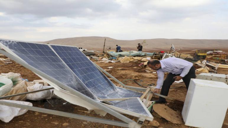 الكيان الإسرائيلي يهدم قرية فلسطينية في الضفة الغربية المحتلة ويشرد 70 فلسطيني منهم 40 طفل