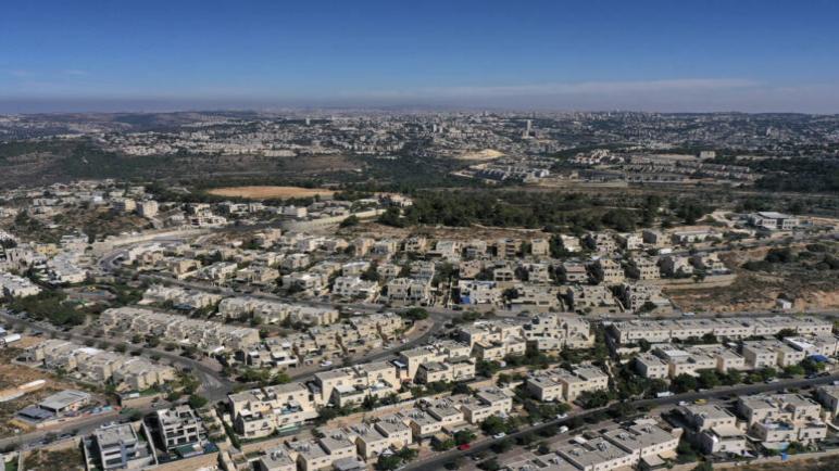 الكيان الإسرائيلي يوافق على بناء ألاف المنازل الجديدة في المستوطنات في الضفة الغربية المحتلة