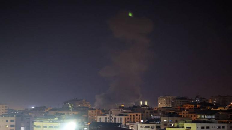 الكيان الإسرائيلي يقصف مواقع لحركة حماس بعد تجدد العنف على حدود قطاع غزة
