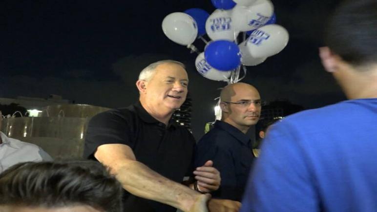 """إسرائيل تحذر هولندا من """"التوترات"""" في حال إستمرار الدعوى التي رفعها هولندي من أصل فلسطيني ضد جنرالين اسرائيليين"""