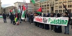 وقفة تضامنية في برلين تنادي بالحرية لفلسطين بمناسبة ذكرى تصريح بلفور الـ101