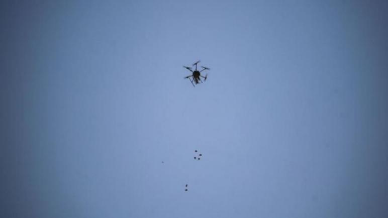 الكيان الإسرائيلي يعلن عن اسقاط طائرة بدون طيار قادمة من قطاع غزة والخبراء يجرون البحوث عليها