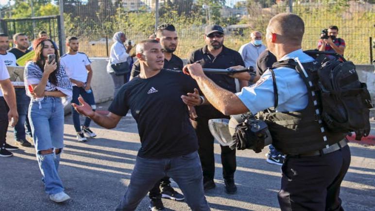 تقرير: قوات الأمن الإسرائيلية متواطئة في عنف المستوطنين ضد الفلسطينيين في الضفة الغربية