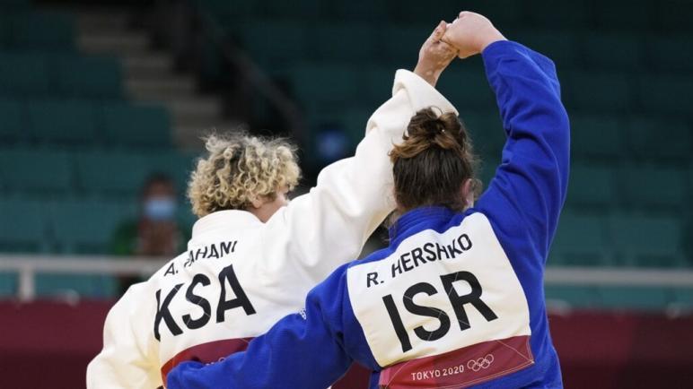 لأول مرة لا تقاطع دولة عربية مسلمة الكيان الإسرائيلي في الألعاب الأولمبية: السعودية تنافست مع إسرائيل في الجودو
